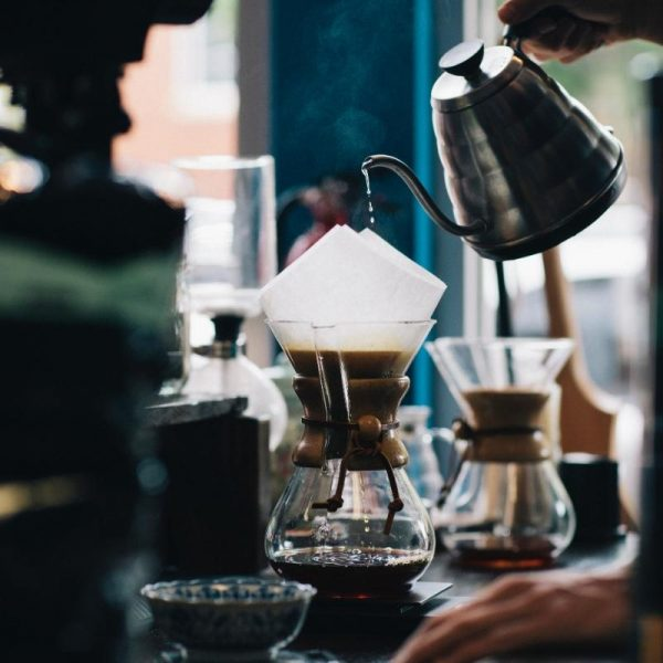 Pouring hot water into a chemex